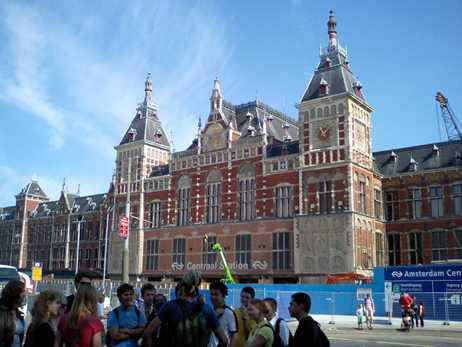 2006アムステルダム中央駅.jpg